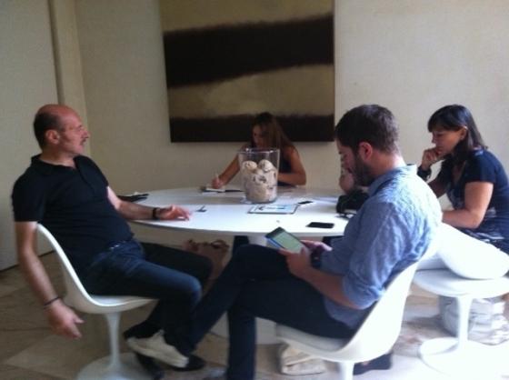 Eraldo Affinati durante l'incontro con i blogger Jacopo Cirillo di Finzioni, Patrizia La Dagadi Le ultime 20, Claudia Consoli di Critica Letteraria e Laura Pezzino di Bookfool